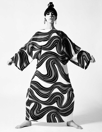 2|11  Peggy Moffitt modeling caftan designed by Rudi Gernreich, Fall1967 collection.Photograph © William Claxton, LLC, courtesy of Demont Photo Management & Fahey/Klein Gallery Los Angeles, with permission of the Rudi Gernreich trademark.